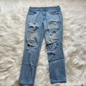 American Eagle Distressed Tomgirl Blue Jeans 6